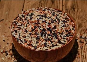 三色糙米饭是哪三种米 三色糙米饭的做法