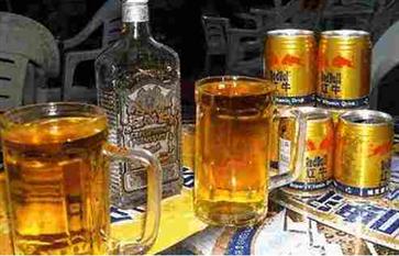 红牛兑白酒喝能延时吗 看了这些危害你还敢喝吗