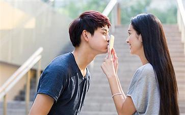 第一次接吻要怎么做 史上最全接吻教程