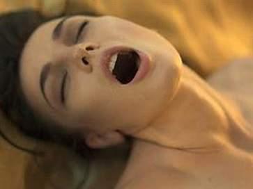 女人怎样给男人口交最舒服 让男人爽翻天的口交技巧
