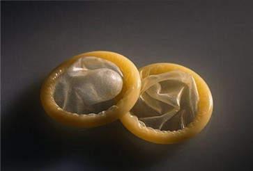 冈本避孕套容易破裂吗 破裂那是不可能滴