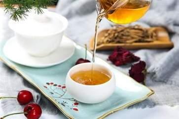 喝绿茶与菊花茶有什么好处