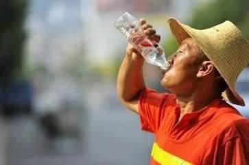 高温天气中暑的主要症状有哪些 夏天中暑的急救措施