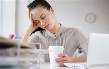 睡前拍肚子的好处 睡前拍肚子去湿气吗